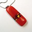 Piros  dichroic üvegmedál, Ékszer, óra, Medál, Nyaklánc, Elegáns középpiros színű tégla medál, több színű dichroic üvegszilánkkal díszítve készült, kemencébe..., Meska