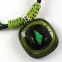Erdőzöld üvegékszer nyakláncl , Ékszer, óra, Medál, Nyaklánc, Zöld-fekete színekben olvasztottam ezt a szép kis medált, színes és dichroic ékszerüvegekből. Mérete..., Meska