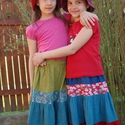 Fodros szoknya kislányoknak, Ruha, divat, cipő, Baba-mama-gyerek, Gyerekruha, Gyerek (4-10 év), Varrás,  Fodros szoknya kislányoknak.  Gumis derekú szoknyácska,házilag festett pamut vászonból.   Kellemes..., Meska