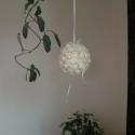 Gömb ablakdísz ming boglárkával, Dekoráció, Otthon, lakberendezés, Virágkötés, A ming rózsás kollekció újabb darabja.  A gömb alapot ming boglárkával tűztem le teljesen körbe. Tér..., Meska