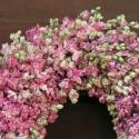 Rózsaszín szarkaláb koszorú közepes., Dekoráció, Otthon, lakberendezés, Ünnepi dekoráció, Virágkötés, Megszáradtak a szarkaláb virágaim is így tudom készíteni a koszorúkat!  A szárított szarkaláb a köve..., Meska