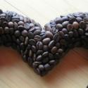 Szíves falidísz kávészemekkel, Dekoráció, Ünnepi dekoráció, Virágkötés,  A kávé illata azt gondolom sokunknak kellemes.A szívvel  egész évben lehet díszíteni mert a kávé n..., Meska