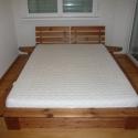 Japán stílusú fenyő ágy., Bútor, Ágy, Famegmunkálás, Japán stílusú fenyő ágy.  Megvásárolható a képen látható  fenyőből készített ágy,lakkozva. Két éjje..., Meska