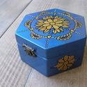 Kék-arany virágmintás ékszeres doboz, Dekoráció, Otthon, lakberendezés, Ékszer, óra, Ékszertartó, Festett tárgyak, Fotó, grafika, rajz, illusztráció, Királyi megjelenésű, egyedi mintával ellátott, igényes, részletes kidolgozottságú ékszeres dobozra ..., Meska