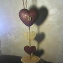 Key to my heart! - Kulcs a szívemhez!, Dekoráció, Otthon, lakberendezés, Esküvő, Dísz, Fa talpazaton, arany-bordó színűre festett szívek, egyikük repesztőlakkal kezelt, antikolt bronz lak..., Meska
