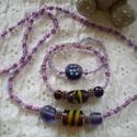 Levendula üveggyöngyös szett, Ékszer, óra, Ékszerszett,  Különböző szímélységű / árnyalatú lila és mályva színű gyöngyöket fűztem rugalmas damilra, közepén ..., Meska