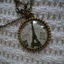 Párizs nyaklánc - Eiffel torony, Ékszer, óra, Nyaklánc,   A nyakláncot antikolt bronz üveglencsés medál díszíti, a párizsi Eiffel toronnyal.  Medál mérete: ..., Meska