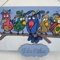 """Színes madarak - """"Édes otthon"""" ajtótábla, kopogtató, Dekoráció, Otthon, lakberendezés, Kép, Utcatábla, névtábla, Fa táblára rajzoltam, kontúroztam és akrillal színeztem ezeket a színpompás madárkákat, amelyek mind..., Meska"""