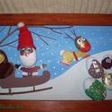 Télapó rénszarvasával - festett kavics kép, Dekoráció, Ünnepi dekoráció, Karácsonyi, adventi apróságok, Karácsonyi dekoráció, Akrilfestékkel és lakkfilccel festett kavicsokból és faágakból készült vidám kép. Télapót szánkóján ..., Meska