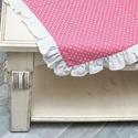 Asztalközép, Otthon, lakberendezés, Lakástextil, Terítő, Varrás, Egészítsd ki fehér abroszodat rózsaszín pöttyös asztalközéppel.   Mérete: 60x60cm, Meska