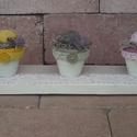 Tarka virágos tavaszi asztali dísz, Otthon, lakberendezés, Famegmunkálás, Virágkötés, A dísz újrahasznosított raklapból készült. A fát csont színű színű akril festékkel festettem le, a ..., Meska