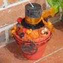Narancsfekete halloween gyertyás asztaldísz, Dekoráció, Dísz, Virágkötés, Halloween gyertyatartó. Egy agyagkaspót akril festékkel festettem le. Száraz t?z?habot tettem bele,..., Meska