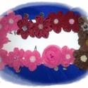 Rózsaszín virág-csat, Ruha, divat, cipő, Hajbavaló, Hajcsat, Varrás, Gyöngyfűzés, Maradék anyagokból készültek a virágok szirmai, gyöngyből a porzó rész. Német jó minőségű csatra ra..., Meska