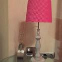 Pink pöttyös asztali lámpa, Otthon, lakberendezés, Lámpa, Asztali lámpa, Hangulatlámpa, Mindenmás, Modern, klasszikus, vintage, design, egyedi lámpaernyő, gyönyörű faragott lámpatalppal. Anyaga: Mod..., Meska