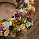 Színes nyári kopogtató, Dekoráció, Otthon, lakberendezés, Virágkötés, 25ös szalma alapon csipke szalaggal, száraz termésekkel, művirággal, gyöngyökkel készített vidám ny..., Meska