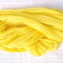 az első napsugár selyemsál, Ruha, divat, cipő, Női ruha, Selyemfestés, Egy igazi, tiszta, szívet (és nyakat) melengető sárga.. .Tisztaselyem, kb. 40x150 cm.  Nagyon mutat..., Meska
