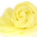 halványsárga selyemsál, Ruha, divat, cipő, Női ruha, Selyemfestés, Diszkrét, igen halvány, elegáns kis sárga; valódi tisztaselyem sál, kb. 40x150 cm.  Nagyon mutatós,..., Meska