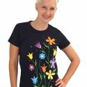 Manolonda - egyedi kézzel festett női póló , Ruha, divat, cipő, Női ruha, Felsőrész, póló, Festett tárgyak, Manolonda - egyedi kézzel festett női póló  A póló jó minőségű alapanyagból készült, ezekre kerülne..., Meska