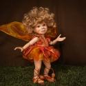 Porcelán testű baba, fantasy figura: Mimi a tűztündér, Képzőművészet , Otthon, lakberendezés, Szobor, Kerámia, Baba-és bábkészítés, Kerámia, Tűz táncolj, pörögj, forogj ragadd meg az alkonyatot, legyél parázsban is kitartó pirkadatig melegen..., Meska