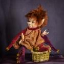 Porcelán testű baba: ZOÉ elf kislány, Képzőművészet , Otthon, lakberendezés, Szobor, Kerámia, Baba-és bábkészítés, Kerámia, Zoé a napot táncolva köszönti amint a kankalinok dalát figyeli: mily szépen is énekelnek mikor napsu..., Meska