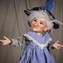 Boszorkány figura kabala - Rebeka porcelán testű baba, Képzőművészet, Esküvő, Dekoráció, Szobor, Baba-és bábkészítés, Kerámia, Boszorkány figura kabala - Rebeka  Rebeka egy motyó bábi, meg is nézi minden bácsi. Csábosan tud mo..., Meska