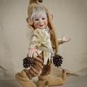 Pongrác manó figura mozgatható porcelánbaba kabala porcelán figura - manófalvi fickó, Képzőművészet, Dekoráció, Karácsonyi, adventi apróságok, Ünnepi dekoráció, Baba-és bábkészítés, Kerámia, Pongrác - manófalvi fickó  Manófalva vidám kis szülötte, még a szelet is kinevette :-) A sapka alat..., Meska