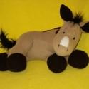 Lovacska , Baba-mama-gyerek, Játék, Játékfigura, Plüssállat, rongyjáték, Varrás, Puha mikroplárból szilikongolyó töméssel műanyag biztonsági szemmel készítettem ezt az édes lovacsk..., Meska