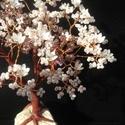 """Gyöngyfa """"ezüstvirágokkal"""", Dekoráció, Otthon, lakberendezés, Dísz, Kaspó, virágtartó, váza, korsó, cserép, Gyöngyfűzés, A fácska kővel együtt 14 cm magas, finom szürkés-lilás színekkel fűztem a lombot, és ezüstös virágo..., Meska"""
