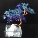 Gyöngyfa királykékben, türkizben, Dekoráció, Képzőművészet, Otthon, lakberendezés, Dísz, Gyöngyfűzés, 11 cm magas, néhány flitternek köszönhetően csillogó kék csipke a lombja...ezúttal bonsai-ra hajazó..., Meska