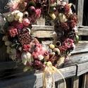kopogtató, Dekoráció, Otthon, lakberendezés, Dísz, Ünnepi dekoráció, Virágkötés, A természetes anyagokból készült ajtódíszt, horgolt virágokkal, termésesekkel dúsan díszítettem, íg..., Meska