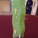 Festett zöld üvegű váza, Dekoráció, Otthon, lakberendezés, Dísz, Kaspó, virágtartó, váza, korsó, cserép, Festett tárgyak, Üvegművészet, Üvegfestékkel festettem saját motívumomat a zöld alapú váza két oldalára. A minta kiemeli a váza ke..., Meska