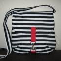 Fekete - fehér  csíkos táska -rendelhető, Táska, Ruha, divat, cipő, Válltáska, oldaltáska, Varrás,    Közepes méretű táska, erős vászonból   Bélelt, belül  egy osztott  zsebe van. Karabínerrel  záród..., Meska