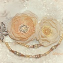 Pillangós virágos koszorúslány öv, ruha dísz+hajdísz, Esküvő, Hajdísz, ruhadísz, Varrás, Virágkötés, Finom és elegáns, vintage stílusban készült koszorúslány ruha dísz, melyet egy szatén szalagra rögz..., Meska
