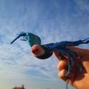 Kék nemez madár, Játék, Dekoráció, Dísz, Játékfigura, Nemezelés,  A termék egy kézzel nemezelt kék kismadár, amelynek szárnyfesztávja 19 cm, csőrétől a farkáig hoss..., Meska