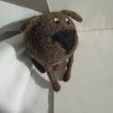 Nemez gömb kutya, kutyus barna színben, Játék, Játékfigura, Plüssállat, rongyjáték, Nemezelés, Nemezelt, barna kutyus. Gömb formában kialakítva, hatalmas fekete nózival.  A kutya egyedi, kézzel ..., Meska