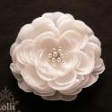 Nagy rózsa  menyasszonyi fejdísz - Rendelhető!, Esküvő, Hajdísz, ruhadísz, A hajdísz a következő anyagokból készüt:  *hófehér minőségi selyemszirom *teklagyöngyök *fém csipesz..., Meska