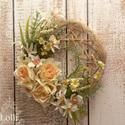 Mon jardin virágos falidísz, Dekoráció, Otthon, lakberendezés, Húsvéti apróságok, Dísz, Virágkötés, Barack szín selyemrózsák, ágbogas, füves-virágos ölelésben. Átmérője kb. 21cm  Az ár 1db díszre von..., Meska