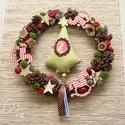 Nosztalgikus mesekoszorú zöldkockás fenyővel, Dekoráció, Karácsonyi, adventi apróságok, Karácsonyi dekoráció, Ünnepi dekoráció, Virágkötés, Kézzel készült rusztikus kis vesszőkoszorút díszítettem, termésekkel, csillagokkal, zöld kockás bab..., Meska