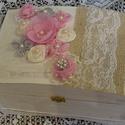 Esküvői pénzgyűjtő doboz/emlékdoboz, Esküvő, Dekoráció, Esküvői dekoráció, Festett tárgyak,  Egyedi, egy darab készült ebből a csodás esküvői pénzgyűjtő ládából. Később az esküvői emlékek tár..., Meska