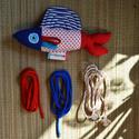 Csörgős-csipogós hal - piros pöttyös, csíkos uszonnyal, Baba-mama-gyerek, Játék, Baba játék, Plüssállat, rongyjáték, Varrás, Puha pamutvászonból készült, nyárias színű, halfigura, fejében egy csipogó, testében egy csörgő. Zs..., Meska