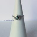 Kalapált ezüst gyűrű turmalinnal, Ékszer, óra, Gyűrű, Ékszerkészítés, Ötvös, Kalapált ezüst gyűrűt készítettem, 4 mm-es zöld turmalinnal díszítettem.  Belső átmérője 16,5 mm, 5..., Meska