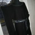 Fekete  öves   pelerin-pulcsi, Ruha, divat, cipő, Női ruha, Poncsó, Varrás, Szabása teszi különlegessé  ezt a kötött anyagból készült felsőrészt. Derekán textilbőr  öv. Mérete ..., Meska