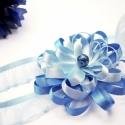 Kék virágos baba hajpánt, Baba-mama-gyerek, Baba-mama kellék, Varrás, Kétféle kék szatén szalagból készítettem egy kis virágocskát. Ezt rávarrtam egy világoskék gumis or..., Meska