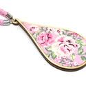 Vintage nyaklánc csepp medállal - rózsaszín, Ékszer, óra, Nyaklánc, Ékszerkészítés, Fénykorát éli a vintage stílus, naná, hogy az ékszereim közül sem maradhatott ki!  Minden ékszer az..., Meska