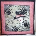 Női textil portré - rózsaszín -fekete színben, Otthon, lakberendezés, Falikép, Hímzés, Varrás, Textil női portré, felakasztható képként bármilyen hely díszítésre.  Flitterrel, gyönggyel díszítet..., Meska