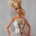 Hercegnő ruha, Játék, Baba játék, Baba, babaház, Varrás, Barbi igazi hercegnő lehet ebben a ruhában! Gyönyörű csillogó anyaggal és flitterrel van díszítve. ..., Meska