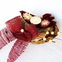mécses taró, Dekoráció, Ünnepi dekoráció, Virágkötés, halottak napi dísz, amelynek alapja lakkozott faszelet,száraz terméssel, virággal, juta szalaggal, ..., Meska