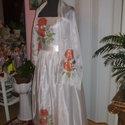 Menyasszonyi, alkalmi ruha hernyóselyem anyagra festve., Ruha, divat, cipő, Esküvői ruha, Festészet, Varrás, Gyönyörű, egyedi készítésű menyasszonyi, alkalmi ruha, hernyóselyem alapanyagra, selyemfestés techn..., Meska