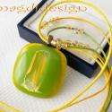 Aranyló kikelet üvegékszer nyaklánc, Ékszer, óra, Nyaklánc, Ékszerkészítés, Üvegművészet, Áttetsző sárga, kivi zöld és arany üvegek felhasználásával készült a medál, olvasztásos technikával..., Meska