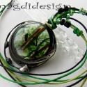 Zöld bolygó üvegékszer nyaklánc, Ruha, divat, cipő, Ékszer, óra, Nyaklánc, Ékszerkészítés, Üvegművészet, Téli-tavaszi ruhák tökéletes vagány kiegészítője lehet ez a nyaklánc. Zöld levél mintás üveg felhas..., Meska